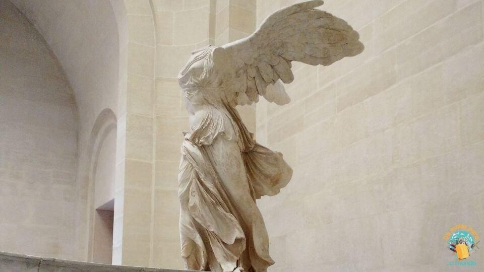O que fazer no Louvre Vitória Alada de Samotrácia